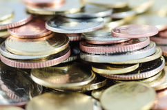 Lado do close-up de moedas do baht tailandês Fotos de Stock Royalty Free