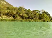 Lado do rio fotografia de stock
