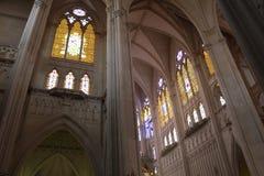 Lado interno Templo del Expiatorio di de un di vista immagine stock