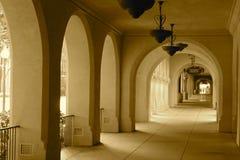 Lado soleado de los arcos Imágenes de archivo libres de regalías