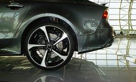 Lado trasero de un coche moderno Imagen de archivo libre de regalías