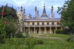 Lado-vista de Brighton Royal-Pavilion Imagens de Stock Royalty Free