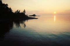 Ladoga λίμνη στο ηλιοβασίλεμα Ηλικίας φωτογραφία στο αναδρομικό ύφος Στοκ Εικόνες