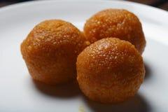 Ladoo - il laddu è un piatto dolce dall'India Immagini Stock Libere da Diritti