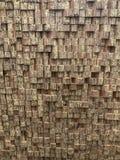Ladrillos de madera como fondo de la producción fotos de archivo