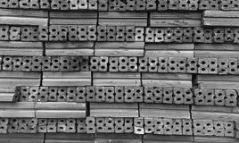 Ladrillos para la construcción en blanco y negro Imagen de archivo