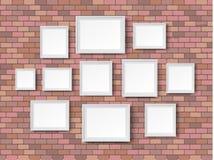 Ladrillos rojos en blanco del marco Imagen de archivo