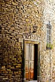 Ladrillos y puerta Foto de archivo libre de regalías