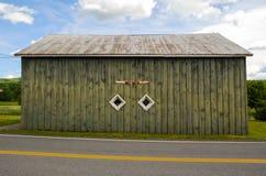 Ladugård för vägsidoantikviteter Arkivbilder