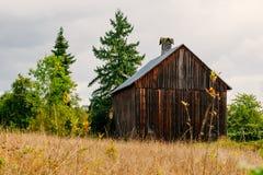 Ladugård i den Oregon bygden Arkivbild