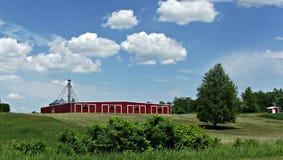 Ladugård i landet Arkivfoto