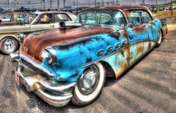 Ladugård nya Buick royaltyfri bild
