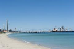 Ladung-Fracht-Lieferung an der Anlegestelle lizenzfreies stockbild