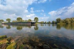 Ladung Riverboat in den Niederlanden lizenzfreie stockbilder