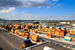 Ladung am Verschiffungshafen lizenzfreie stockfotografie