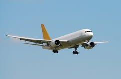 Ladungstrahlenflugzeug lizenzfreies stockfoto