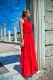 Lady I Röd Royaltyfria Bilder