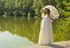 Lady i vit Fotografering för Bildbyråer