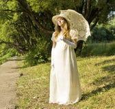 Lady i vit Royaltyfria Bilder