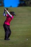 Lady Pro Golfare Överkant Sväng   Royaltyfri Fotografi