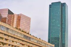 Laförsvar Paris och affärsområde och arkitektur Arkivfoto