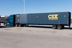 Lafayette - cerca do abril de 2018: Caminhão intermodal de CSX CSX intermodal utiliza dois modos de transporte da entrega mim Imagem de Stock