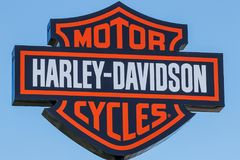 Lafayette - Circa April 2018: Harley-Davidson Local Signage Harley Davidsons Motorcycles is Gekend voor Hun Loyal Following I Stock Afbeelding