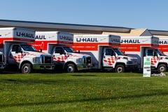 Lafayette - Circa April 2018: Van de u-afstand de Bewegende Plaats Vrachtwagenhuur Van de u-afstand aanbiedingen het bewegen zich stock afbeelding