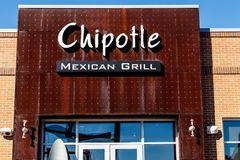 Lafayette - Circa February 2018: Chipotle Mexican Grill Restaurant. Chipotle is a Chain of Burrito Fast-Food Restaurants I Royalty Free Stock Photos