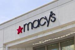 Lafayette IN - Circa Juli 2016: Macy varuhus Macy's Inc är en av Nation's den första återförsäljaredroppen Fotografering för Bildbyråer