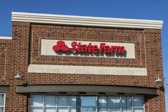 Lafayette - Około Kwiecień 2017: State Farm Asekuracyjnego agenta lokacja State Farm Oferuje Asekuracyjne i Pieniężne usługa V Obrazy Stock