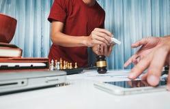 Lag av hårt arbete för affärsadvokat i regeringsställning, advokatteet Arkivfoto