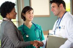 Lag av olika sjukvårdfamiljeförsörjare Royaltyfri Fotografi