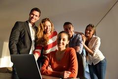 Lag för affärsfolk på möte arkivbilder