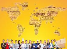 Lag för internationellt samarbete och framgång royaltyfri bild