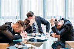 Lag för konkurs för affärsfel stressat besegrat Royaltyfria Bilder