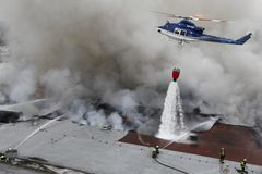 lag för stridighetbrandbrandmän Royaltyfri Foto