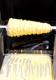 Laga mat den traditionella litauiska kakan Arkivfoton