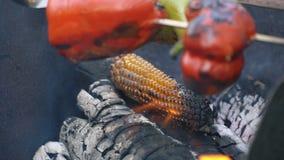 Laga mat havre på brand lager videofilmer