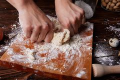 Laga mat hemmastadd concpet healhty mat Trämjöl arkivbilder
