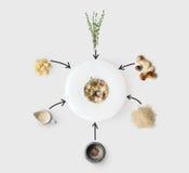 Laga mat ingredienser för italiensk risotto med isolerade lösa champinjoner Arkivfoton