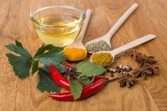 Laga mat ingredienser, kryddor, flockar Arkivbild