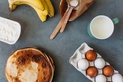 Laga mat kakor och sötsaker Fotografering för Bildbyråer
