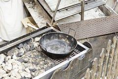 Laga mat krukan med vatten Fotografering för Bildbyråer