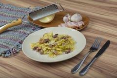 laga mat med grädde pastasås Royaltyfria Bilder
