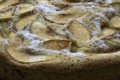 Laga mat sockerkakan med äpplen, Charlotte arkivbilder