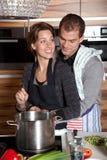 laga mat tillsammans royaltyfria bilder