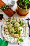 Lagad mat höna i Cantonese Kinesisk kokkonstsikt från över royaltyfria foton