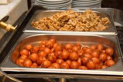 Lagad mat mini- coctailhönakorv i maträtt Royaltyfri Foto