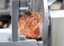 Lagad mat Prosciutto Cotto Ham With Herbs Gourmet- köttdelikatessaffär, köttförskärare Royaltyfri Fotografi